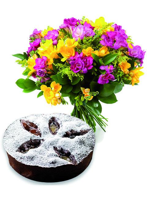 bouquet lisiantus con torta al cioccolato