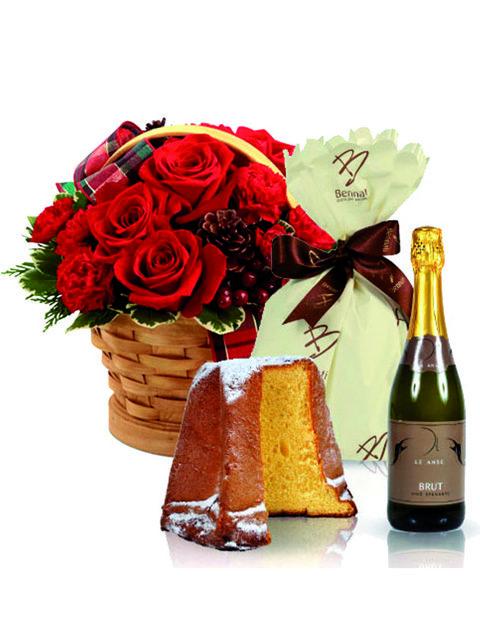 Cesto natalizio con rose rosse spumante e pandoro